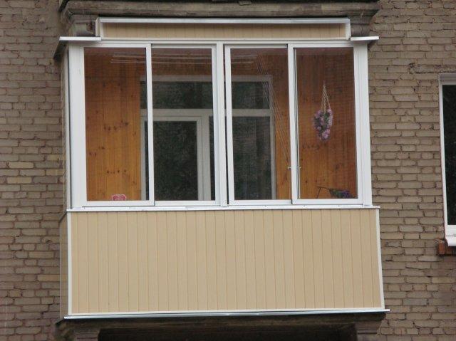 osteklenie-khrushhevki-alyuminievym-profilem1
