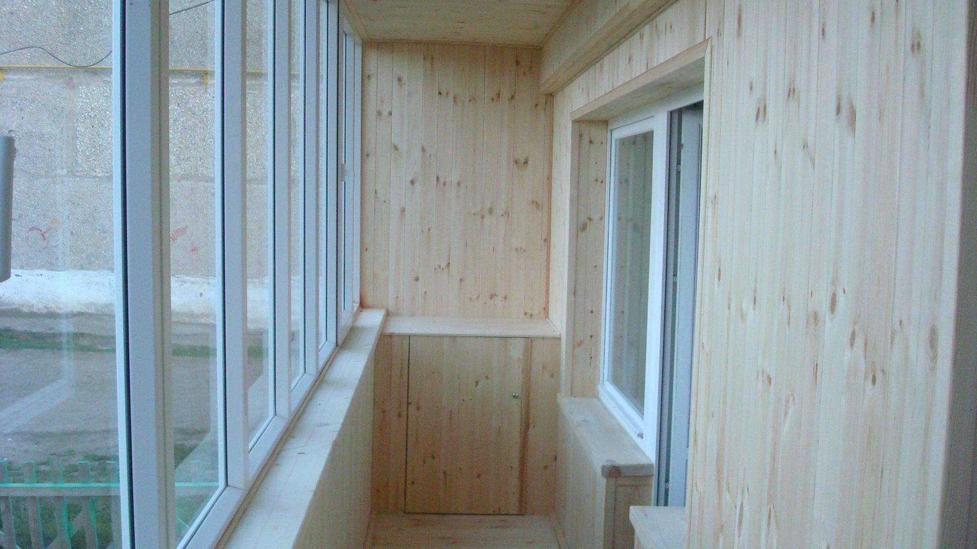 Какой материал использовать для отделки открытого балкона..