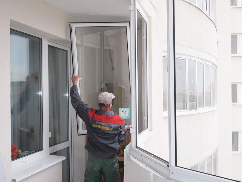 Установка стеклопакетов на балкон..