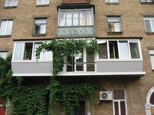 balkon-s-vynosom-foto