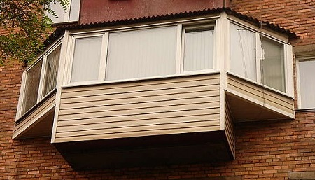 balkony-s-vynosom