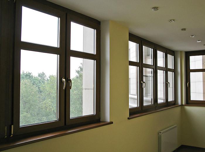 Как можно покрасить пластиковые окна в коричневый цвет
